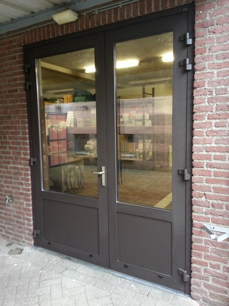 openslaande garagedeuren budel different doors