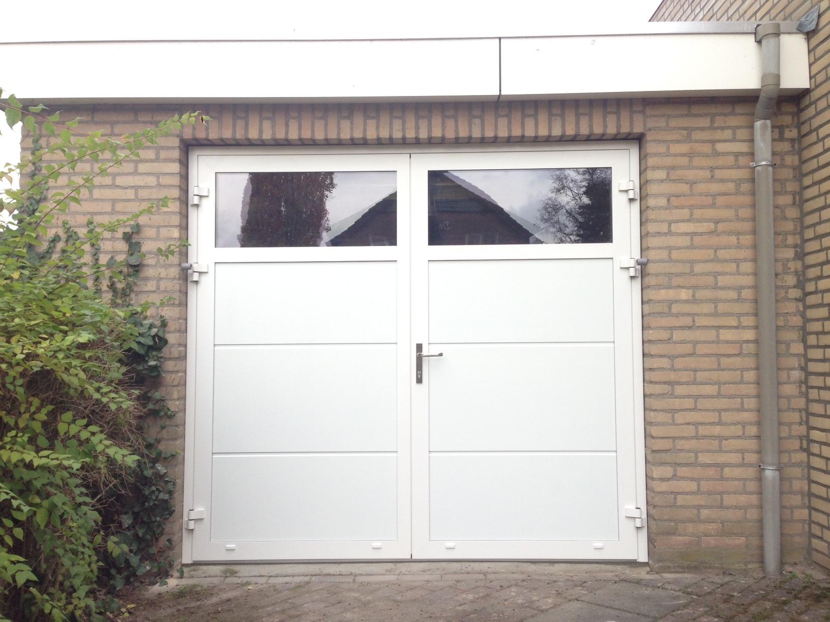 1224 #7D674E  Garagedeur Sint Odiliënberg Different Doors Garagedeuren image Garage Doors Delaware 37431632