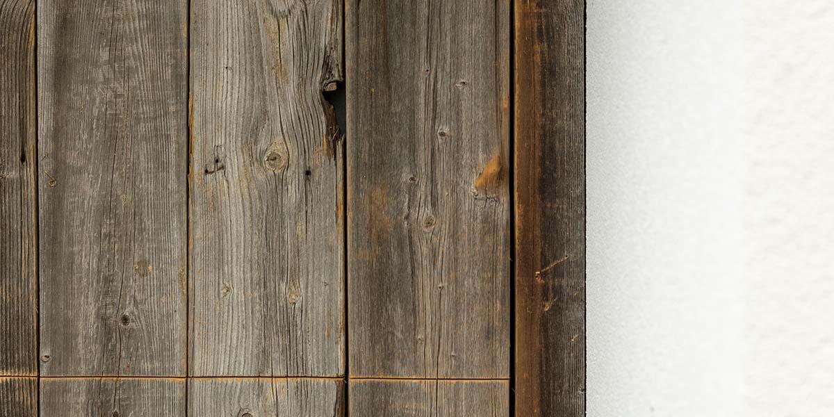 barnwood-houten-garagedeur-geïntegreerd-in-de-wand-32
