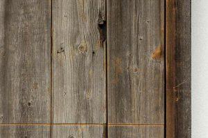 barnwood-houten-garagedeur-geïntegreerd-in-de-wand-4