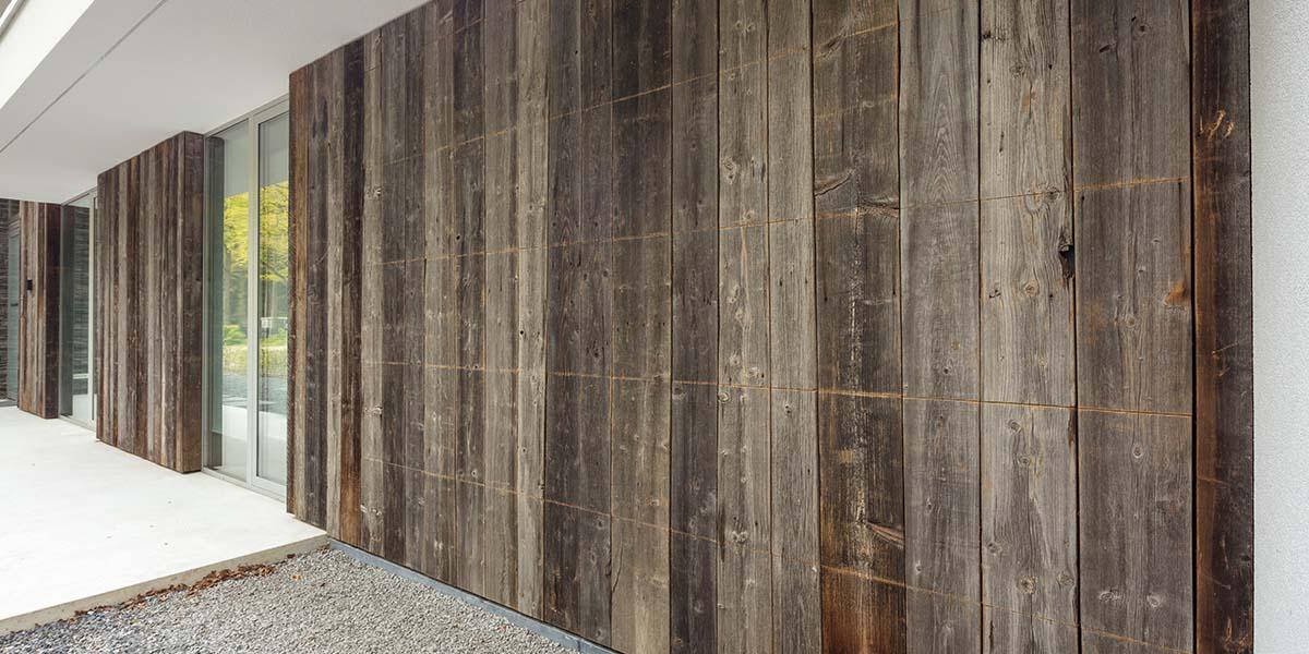 barnwood-houten-garagedeur-geïntegreerd-in-de-wand-91